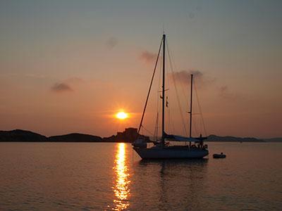 tramonto-porquerolles-vela
